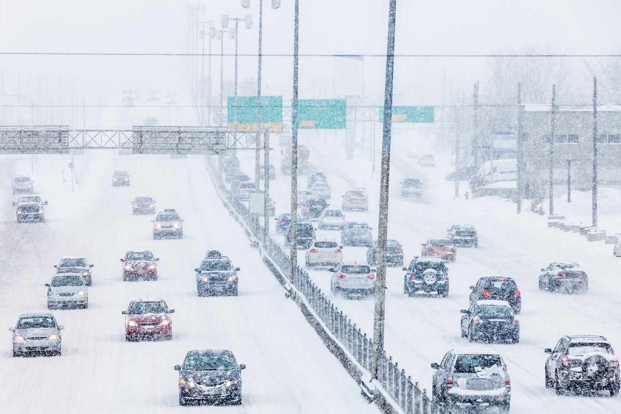 winter-driving-tips-winter-tire-change-toronto